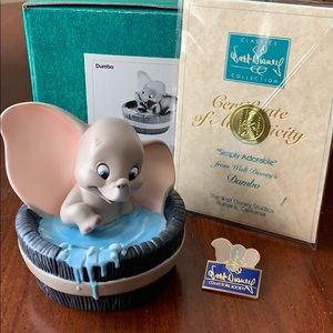 Walt Disney Classics Collection Dumbo sculpture